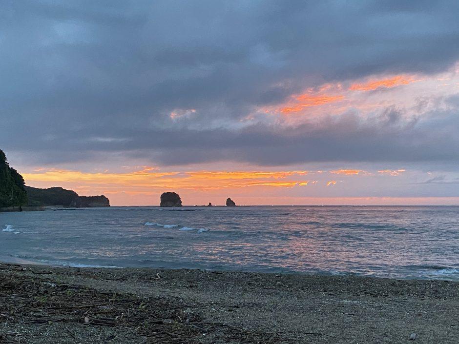 江津良ビーチ